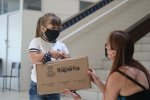 Itapema entrega kit de materiais escolares a alunos e professores